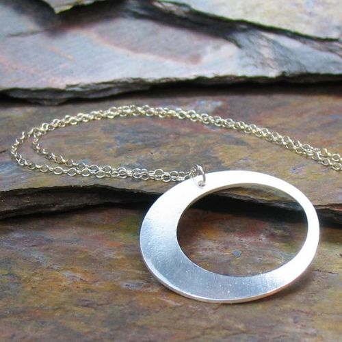 Cirlce necklace
